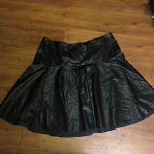 Lame Bryant size 18 faux-leather circle skirt